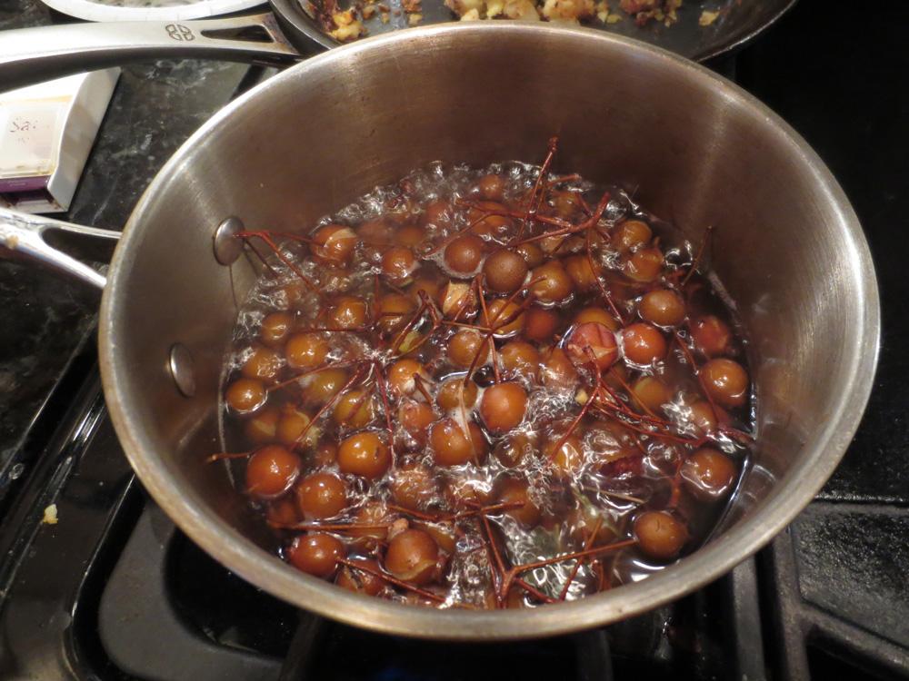 pears in pan
