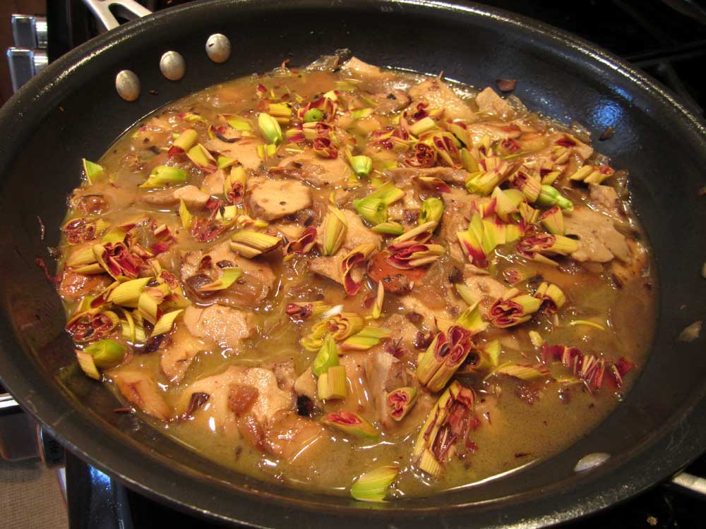Sautéed-chicken-of-the-woods-w-daylily